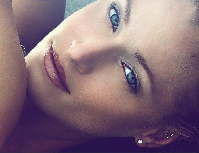 Linzie Sullivan HEADSHOT(a)